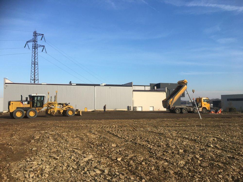 Création d'une plateforme pour aménagement d'un bâtiment industriel
